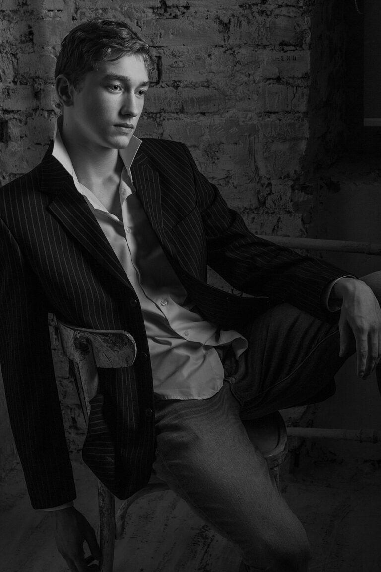черно-белый портрет в голливудском стиле
